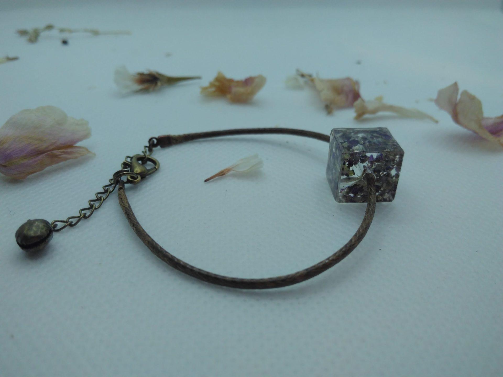 Bcf2 - 18€ - bracelet cube fleurs - Indisponible