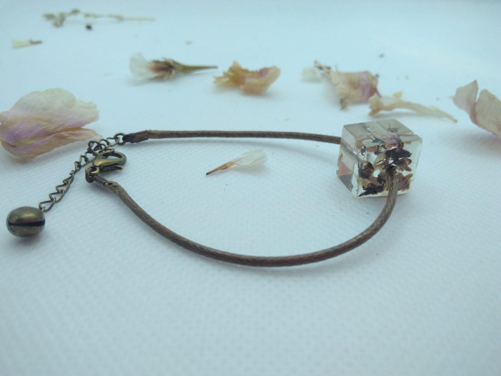 Bcf1 - 18€ - bracelet cube fleurs BOW6 - Indisponible