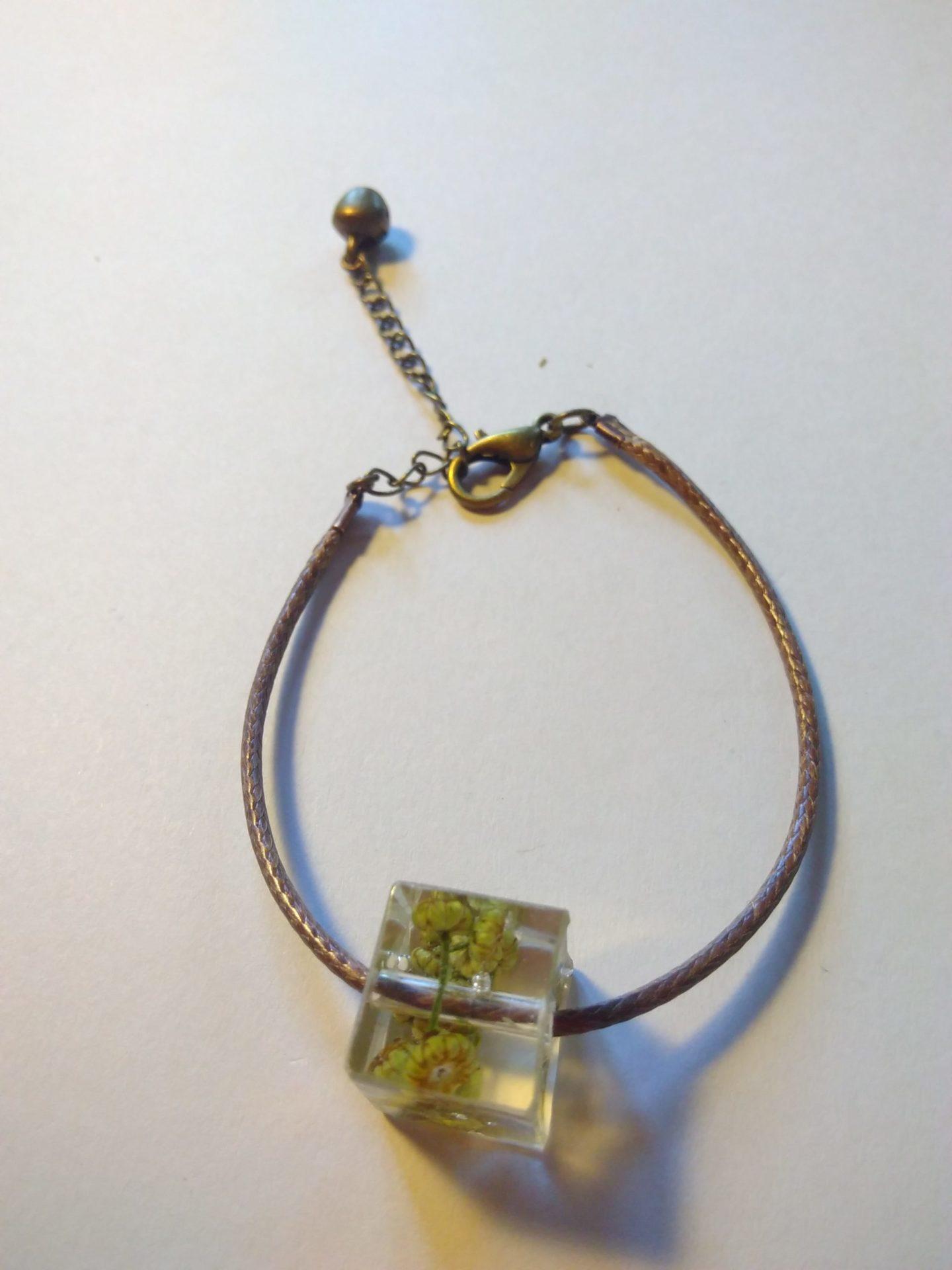 Bcf6 - 18€ - bracelet cube fleurs