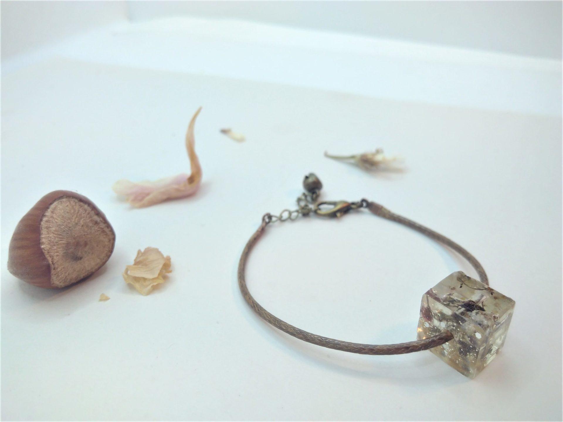 Bcf9 - 18€ - bracelet cube fleurs
